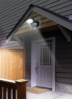 Каким должно быть уличное освещение на дачном участке?